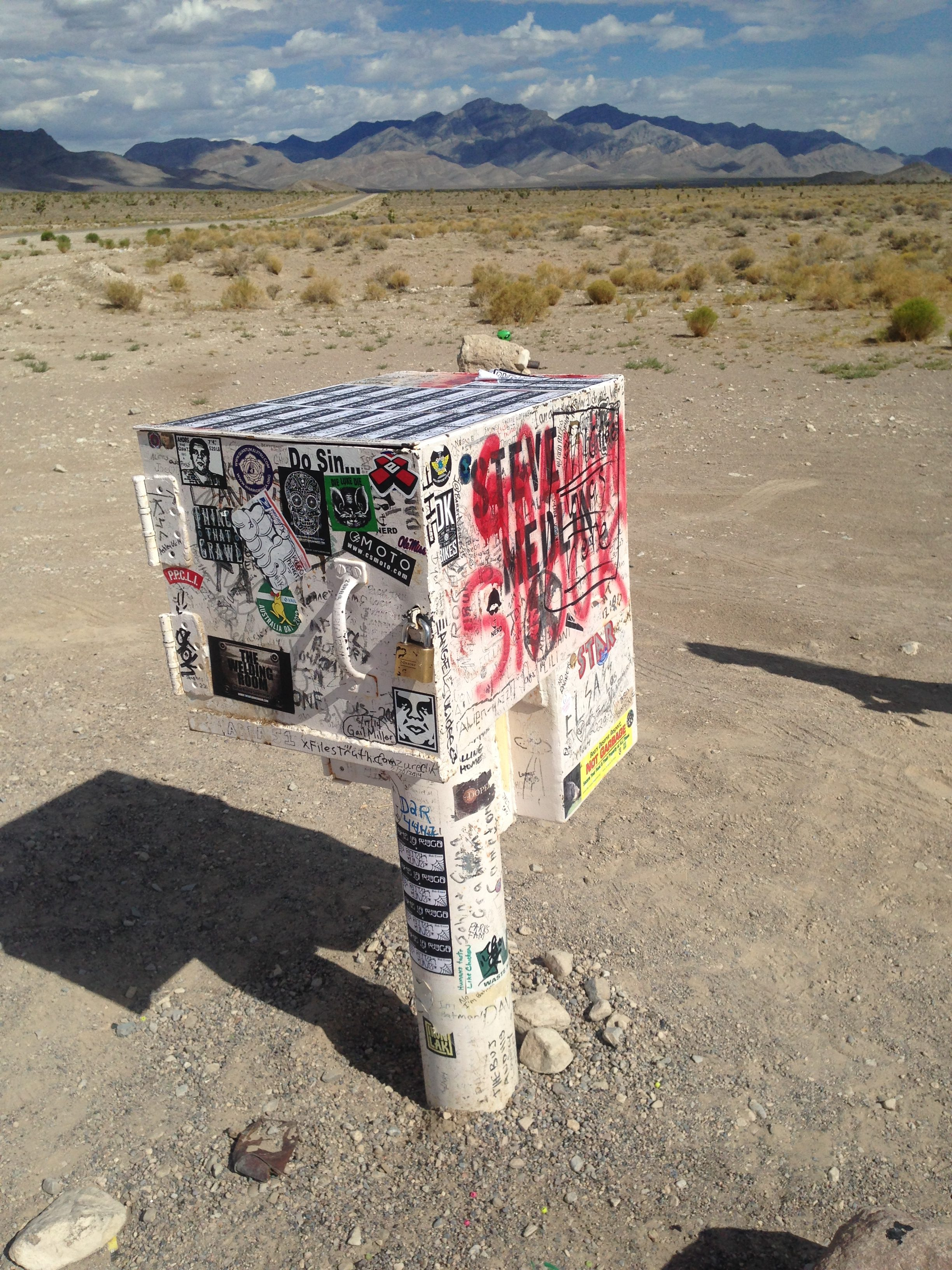 ufo postkasse