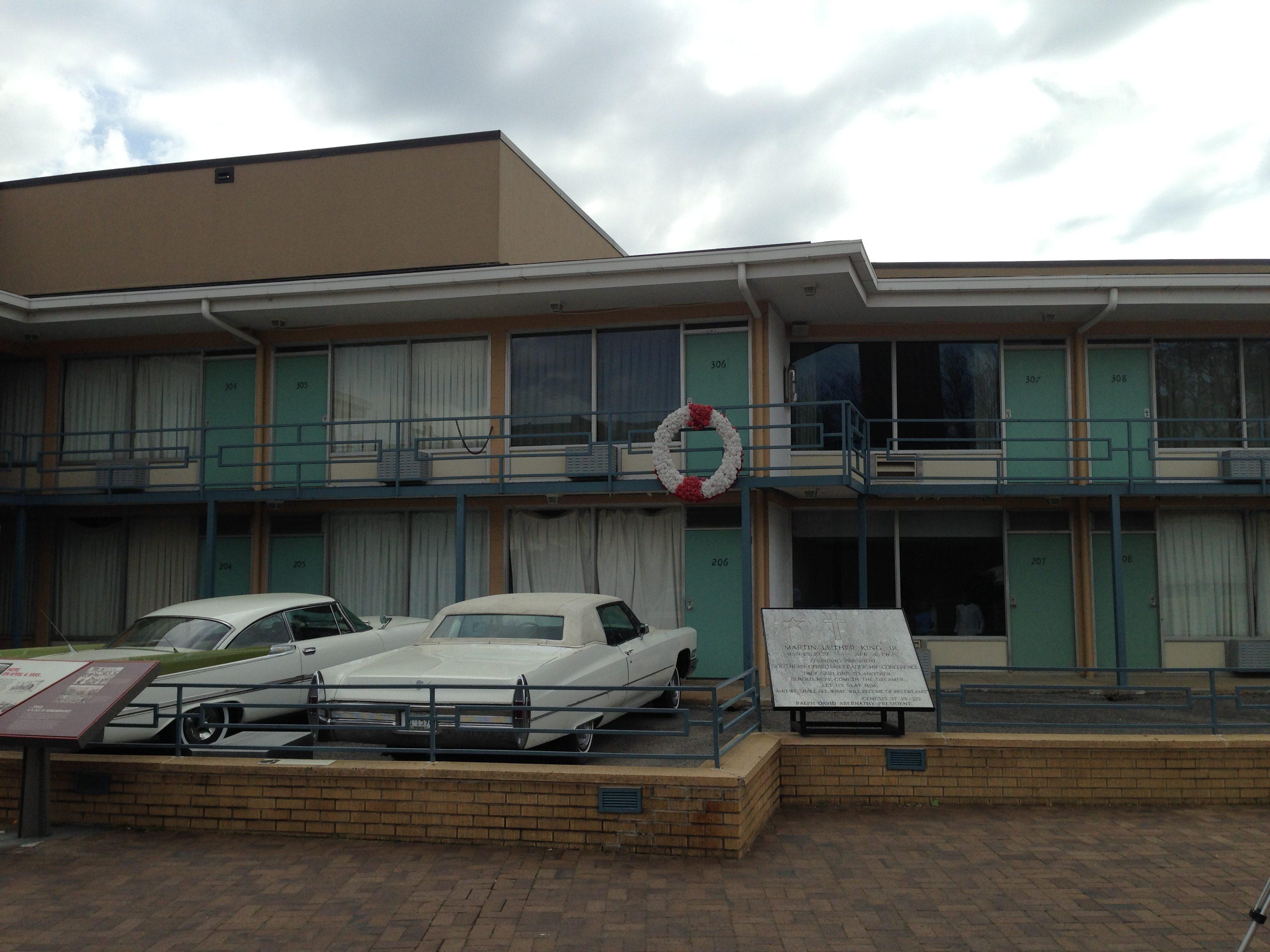 loretta motel