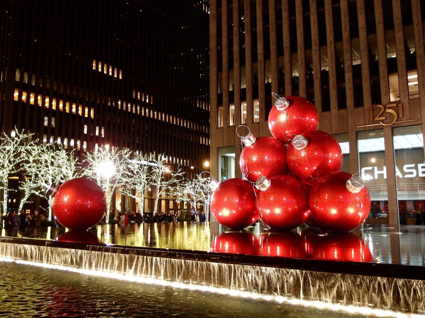 De gigantiske julekugler